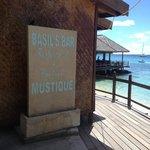 Basils bar