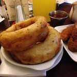 Amazing freshly cooked food, these onion rings were to die for:-)
