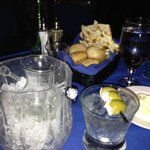 Tanqueray martini & blue cheese olives - enough for 2+ glasses