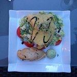 Salat mit Parmesankruste.