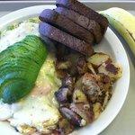 veggie omelette with dark rye toast and banana