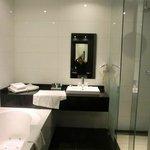 vue globale de la salle de bain
