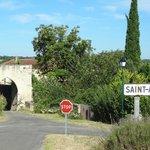 l'entrée du village de Saint Araille