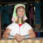 Long neck Padung woman