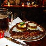 Photo de Mr. Moe's Restaurant and Bar