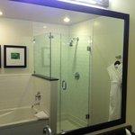 Large Bathroom - 1-Bedroom Suite