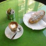 Prima colazione al Bar Pina
