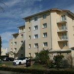 Vue extérieure de la résidence abritant les appartements