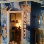 Haniel room