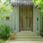 Entry to Single Bedroom Ocean Villa