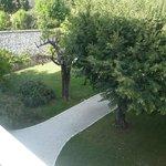 uitzicht op de grote tuin vanaf dakteras
