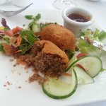 One of the delightful starters - mini-haggis for us Sassenachs