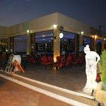 Statues Bar