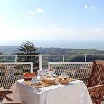 breakfast terrace (summer)