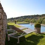 Piscine panoramique sur la campagne du Luberon
