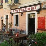 I Vitelloni - La Maddalena, esterno mattina