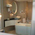 Badkamer vanuit kamer
