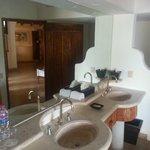 Beach Suite 5 Bathroom