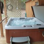 Creek-Side Cottage tub