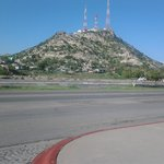 Vista del cerro de la campana desde el exterior del hotel