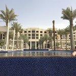 Infinity Pool/Hotel