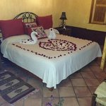 the must romantic welcome ever !!! we are in live and this wad the place to enjoy .... Los Gonza