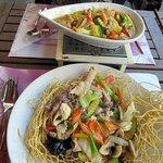 div. Gemüse und Mi Xao Don