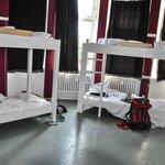 12-Bett-Zimmer