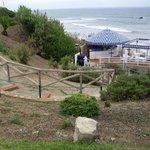 escalera acceso chiringuito y playa