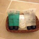 Shampoo and shower gel