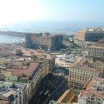 Castillo Nuovo y puerto