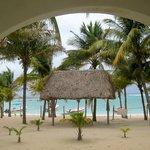 el marco del balcón  las sobras de la playa
