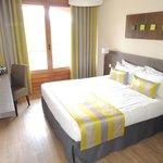 A room at Les 3 Barbus.