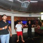Noche de karaoke infantil