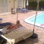 Lekker liggen bij het zwembad