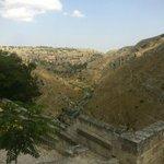 Panoramica del acantilado que presenta Matera