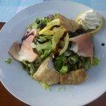 Felchen und Zander auf Salat