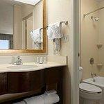 Guet Room Vanity