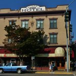 Main Street facade of the hotel.