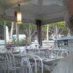 salle de restaurant côté rue