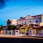 Esplanade Busselton Hotel Front