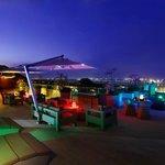 Chandu Bayview Bar & Lounge at The Golden Evening