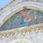 l'Affresco esterno raffigurante San Francesco sul carro di fuoco