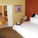 suite bedroom pic 2