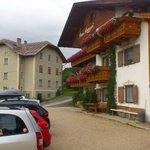 vista hotel con parcheggio