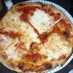 pizza con bufala e sugo