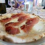 Pizza con Bresaola e Mozzarella di Buffalo