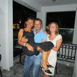 Makis, Antonella e Laura