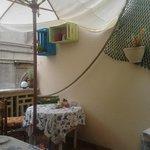 Un angolo del terrazzo per la colazione