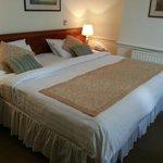 Habitación doble (cama enorme)